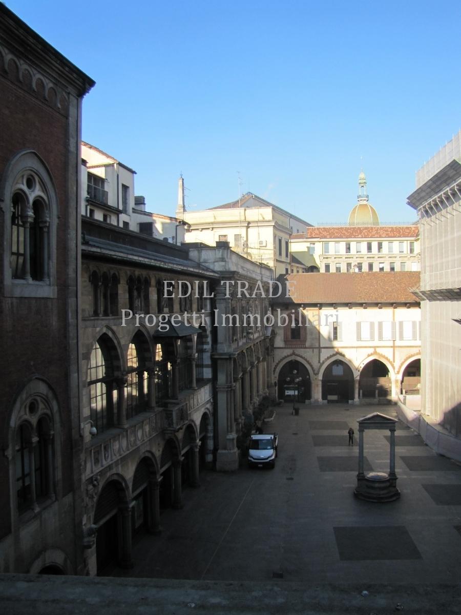 Ufficio / Studio in affitto a Milano, 4 locali, prezzo € 3.750 | CambioCasa.it
