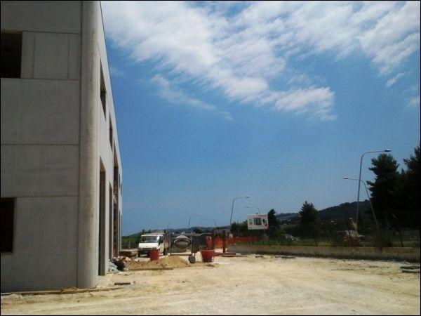 Locale commerciale - Oltre 3 vetrine a zona industriale campolungo, Ascoli Piceno Rif. 7732475