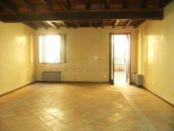 Appartamento in Vendita a Padova, zona CENTRO STORICO, 760'000€, 200 m², con Box