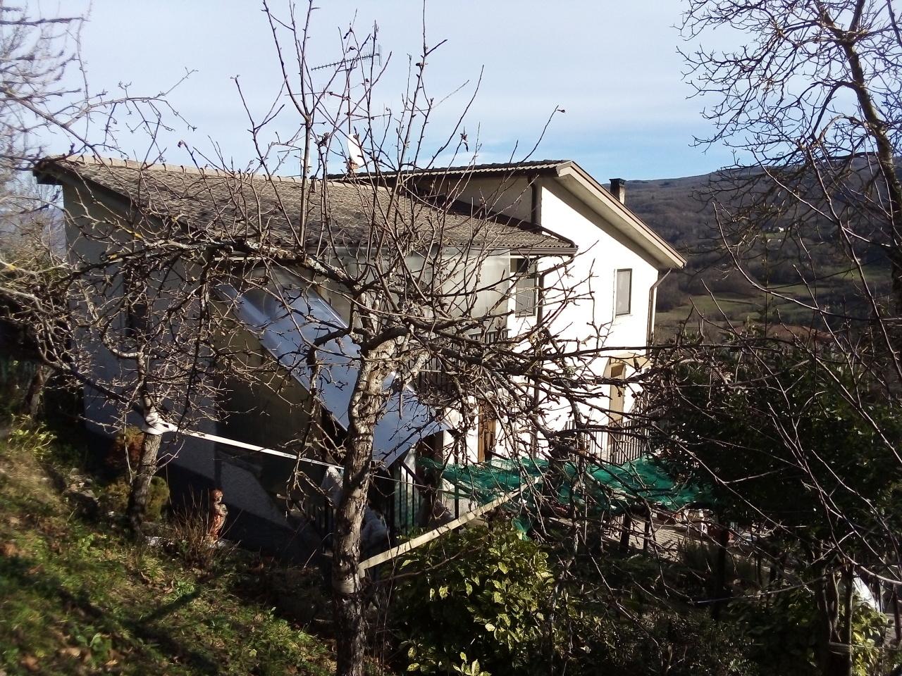 Casa semindipendente in vendita a Albareto (PR)