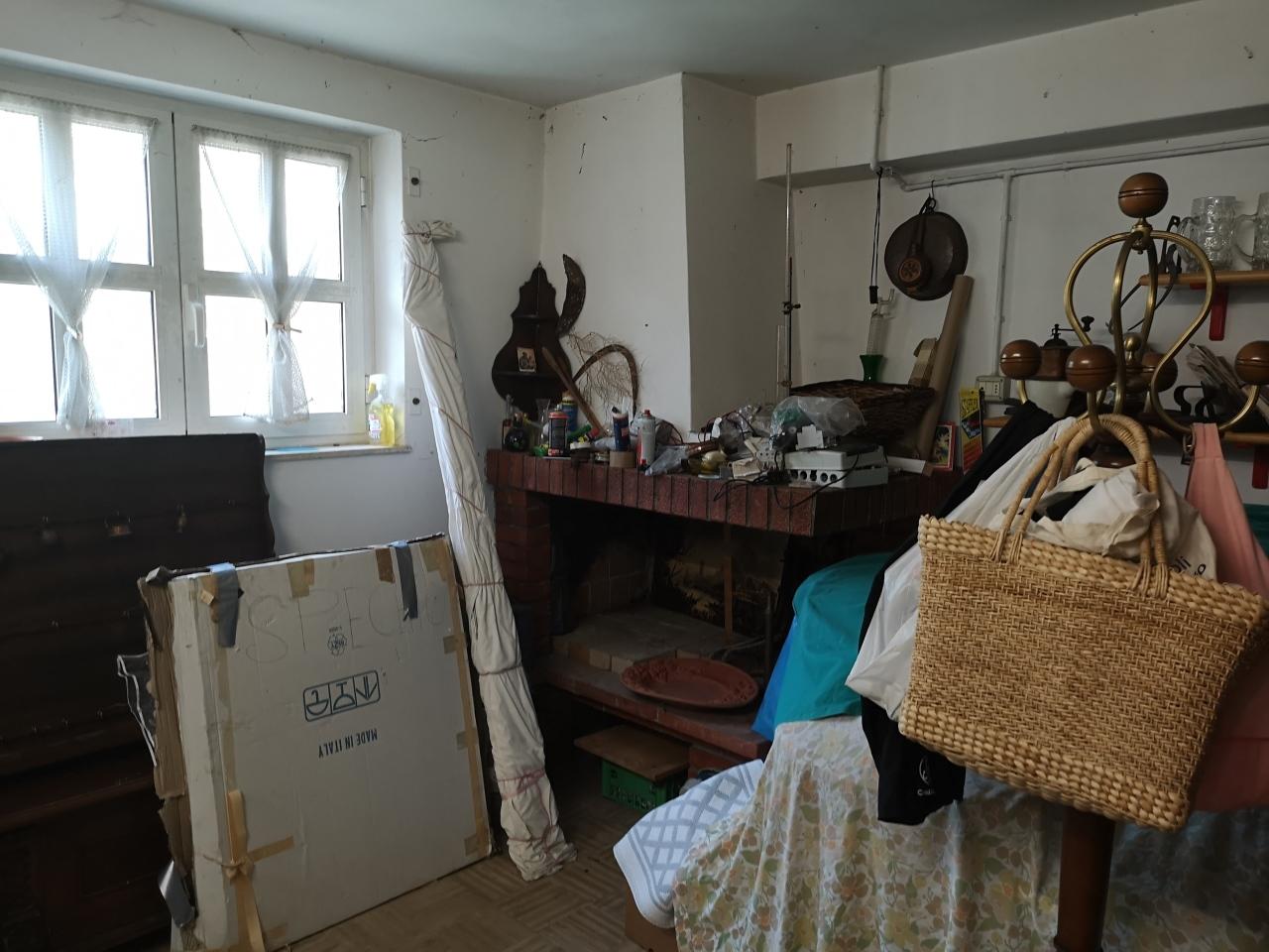 Casa semindipendente in vendita, rif. 2756