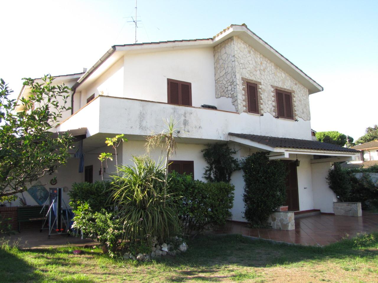 Villa in buone condizioni in vendita Rif. 7989179