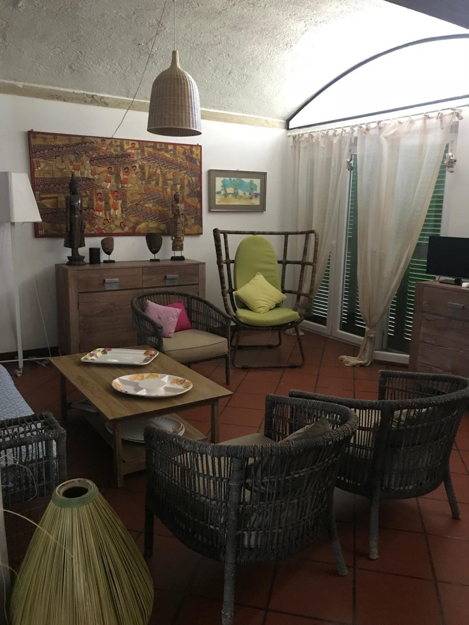Villa arredato in affitto Rif. 9902669