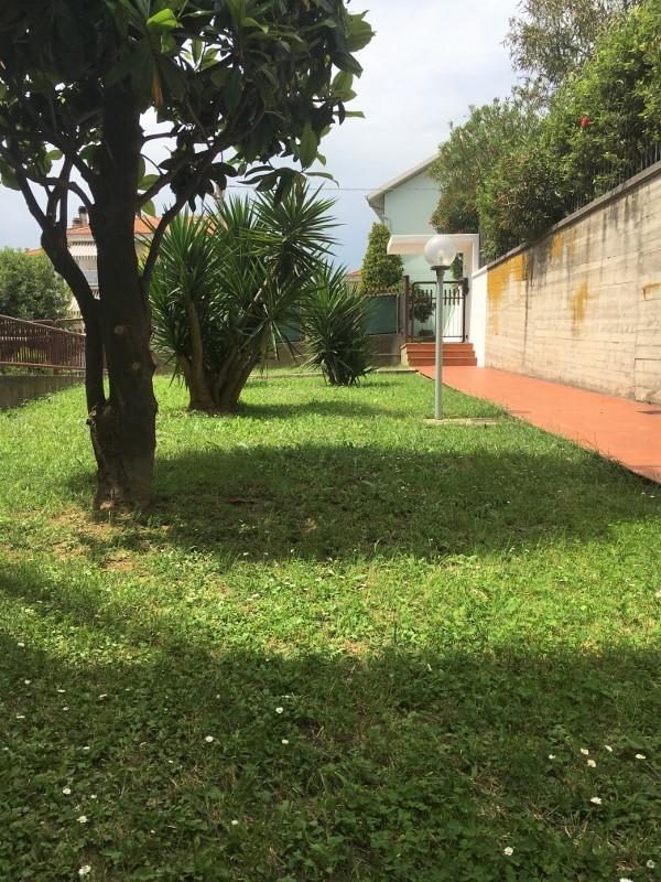 Appartamento - piano terra con giardino a centobuchi, Monteprandone