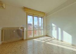 Appartamento in Vendita a Modena, zona Villaggio Giardino, 195'000€, 115 m², con Box