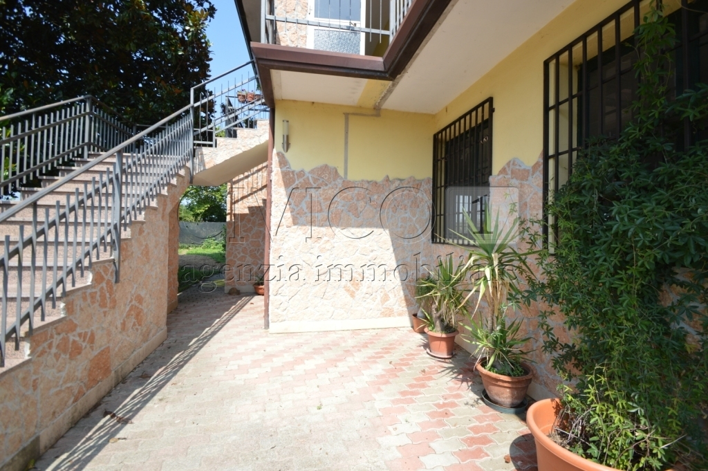 Casa Indipendente in buone condizioni in vendita Rif. 10862939
