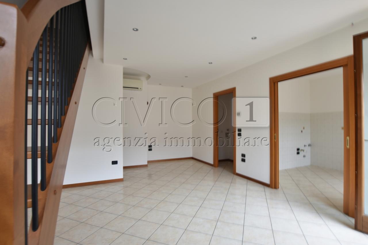 Appartamento in buone condizioni in vendita Rif. 7882337