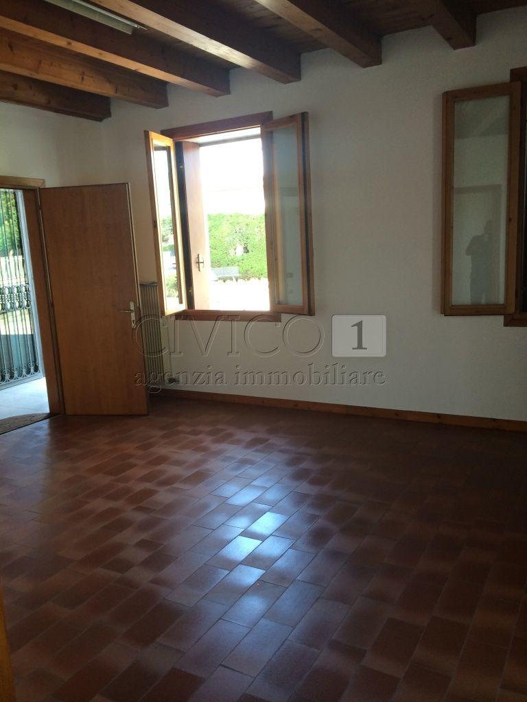 Ufficio / Studio in affitto a Castegnero, 3 locali, prezzo € 420 | CambioCasa.it