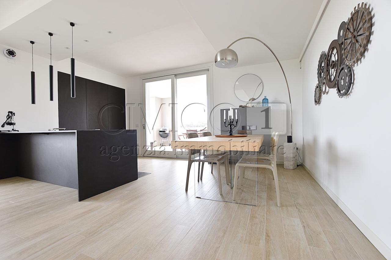 Appartamento in affitto a Mestrino, 5 locali, prezzo € 1.000   CambioCasa.it