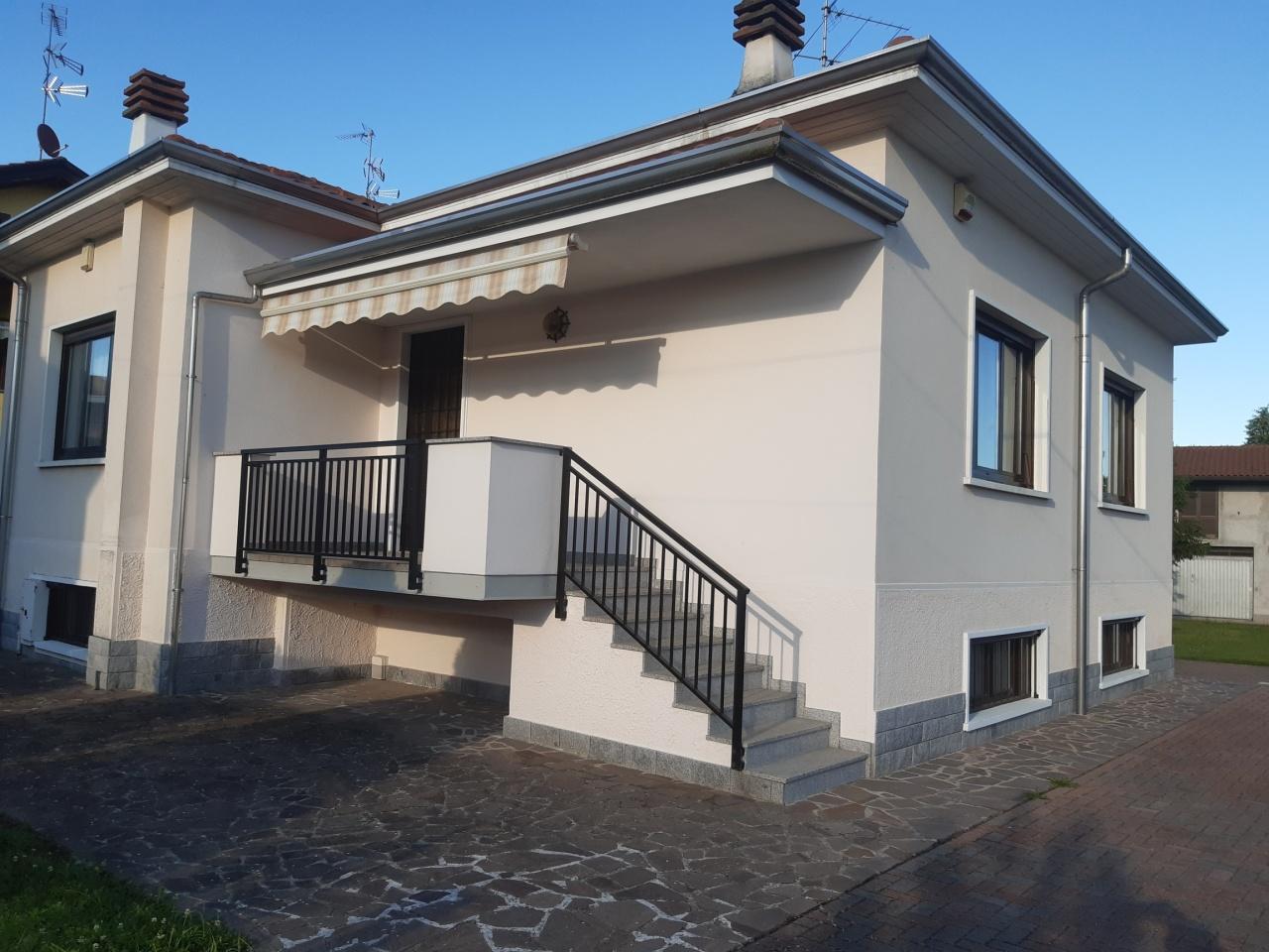 Villa in vendita a Lonate Pozzolo, 6 locali, prezzo € 245.000 | PortaleAgenzieImmobiliari.it