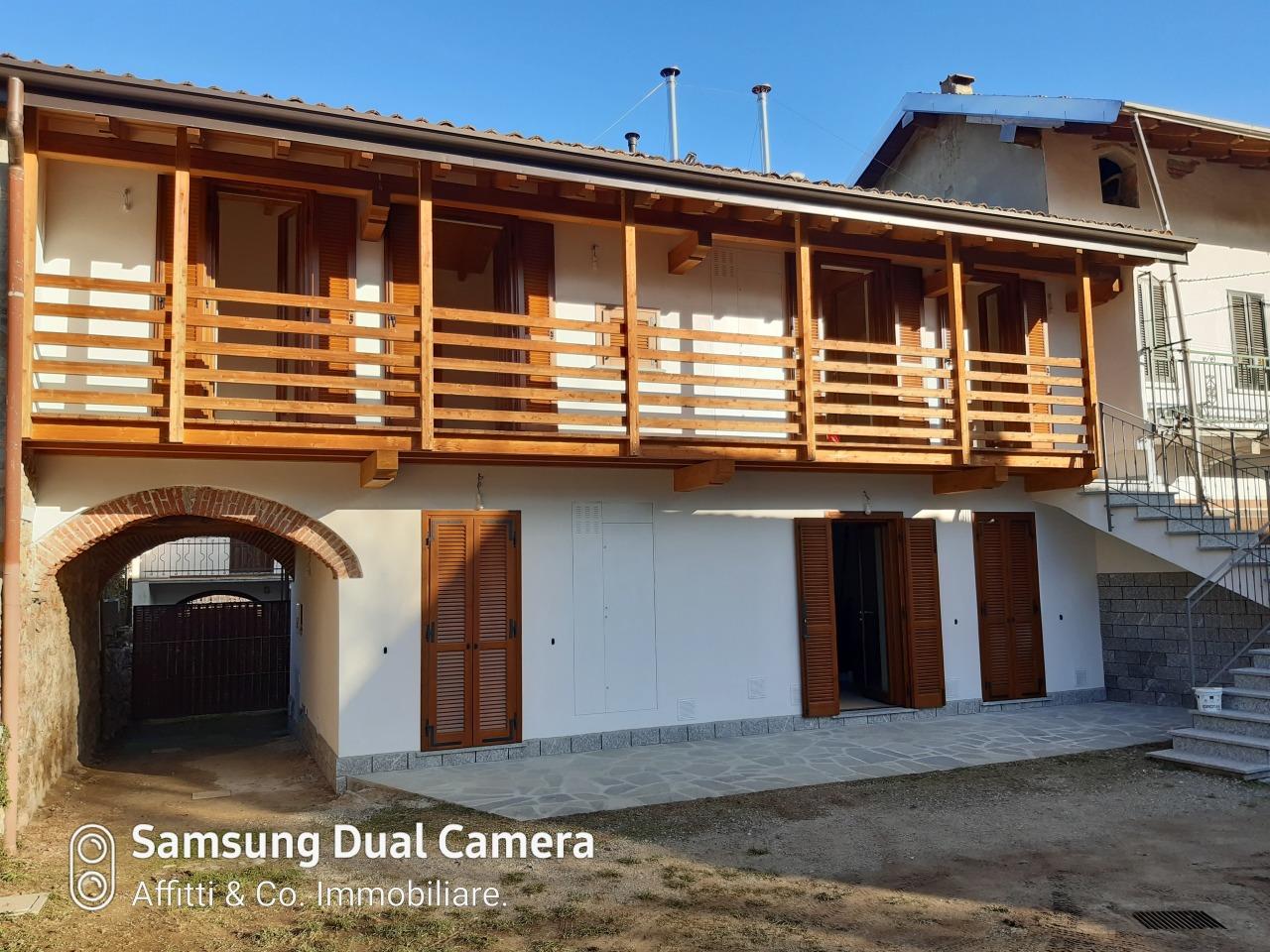 Porzione di casa ristrutturato in vendita Rif. 12381690