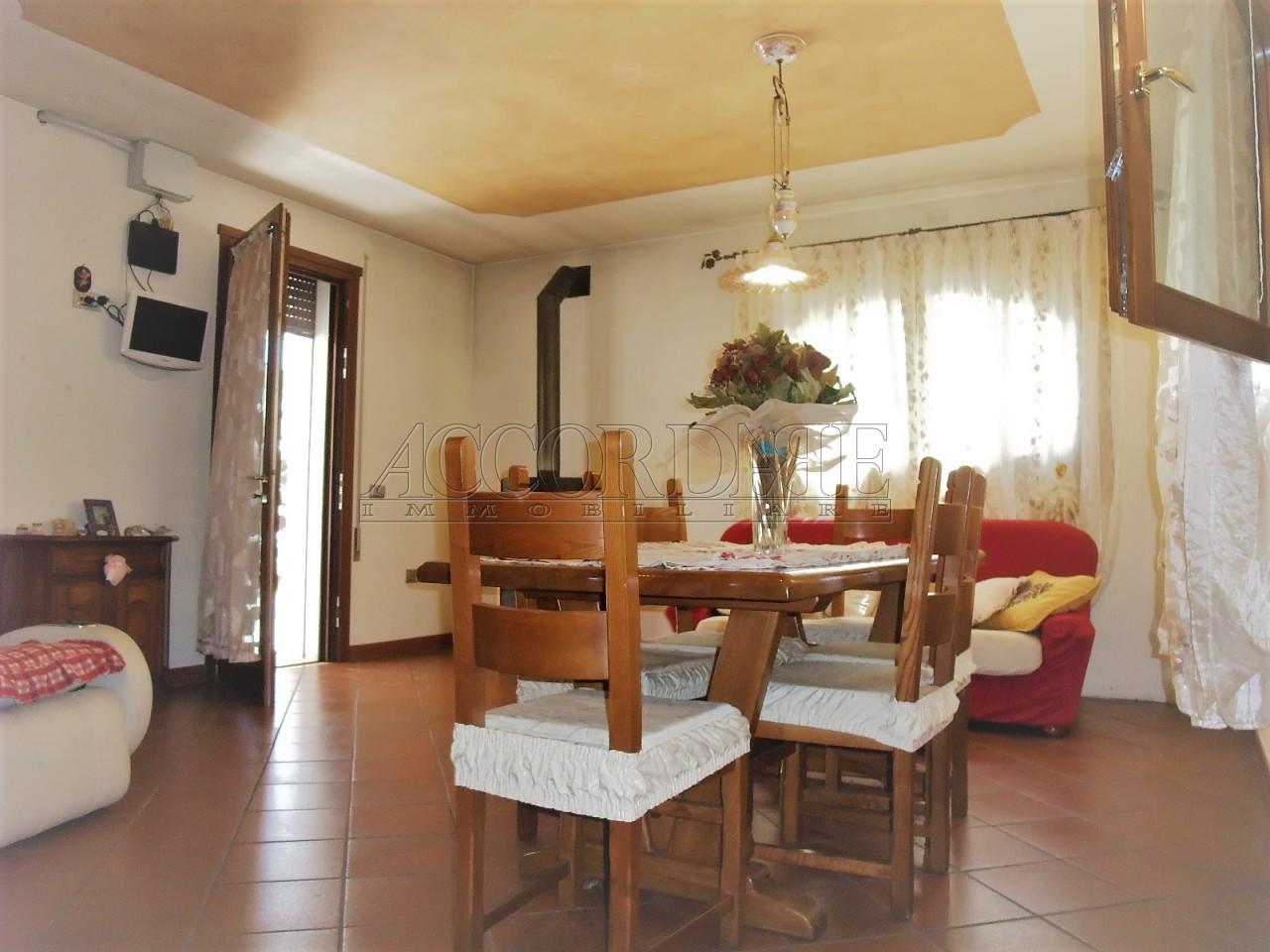 Casa Indipendente in vendita Rif. 7240142