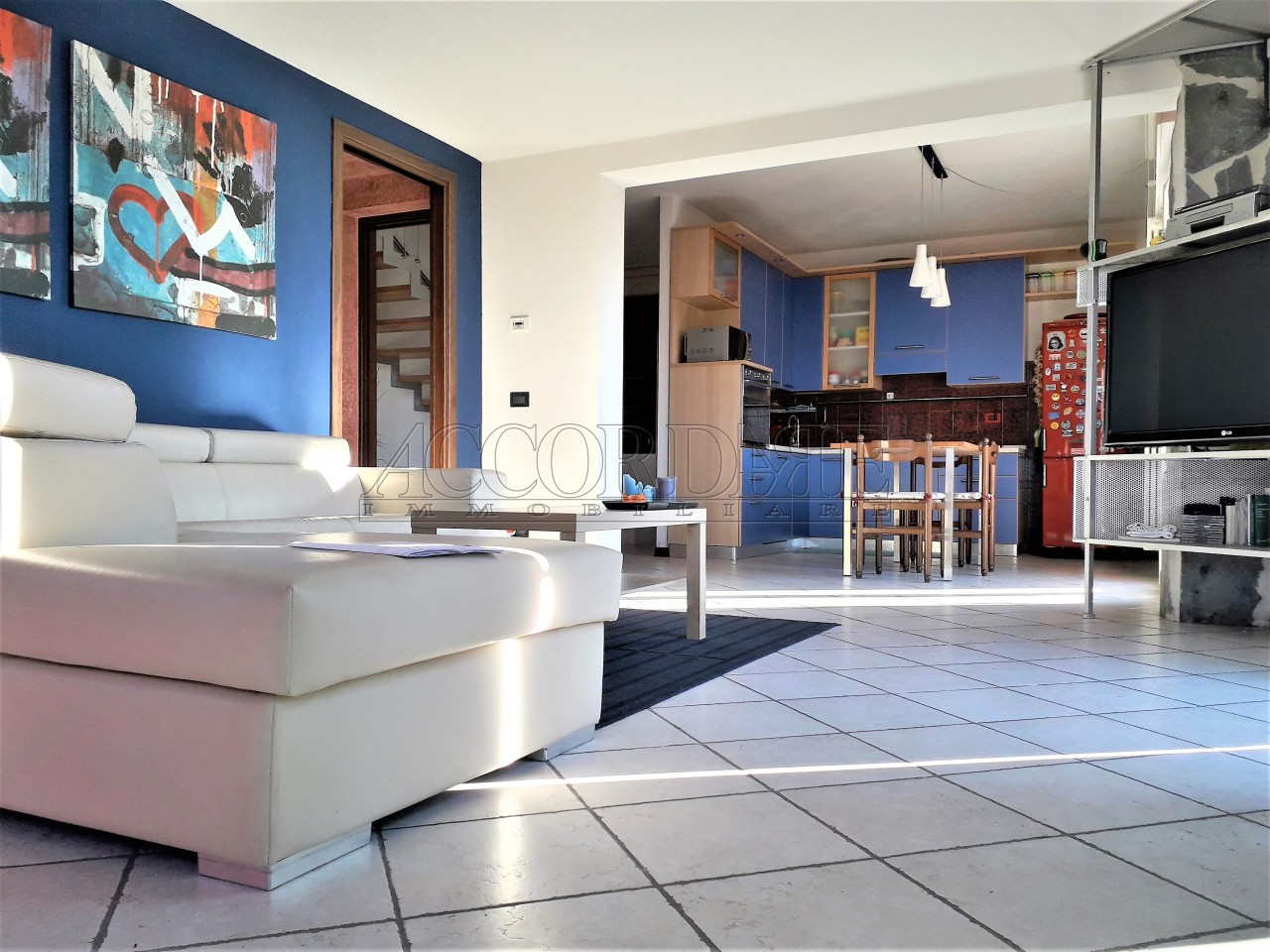 Villetta a schiera in buone condizioni in vendita Rif. 12336725