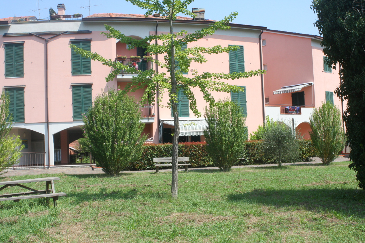 Casa semindipendente in vendita, rif. 2768