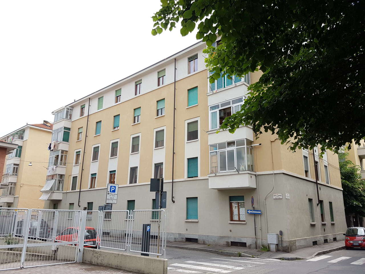 Appartamento in buone condizioni in vendita Rif. 11939257