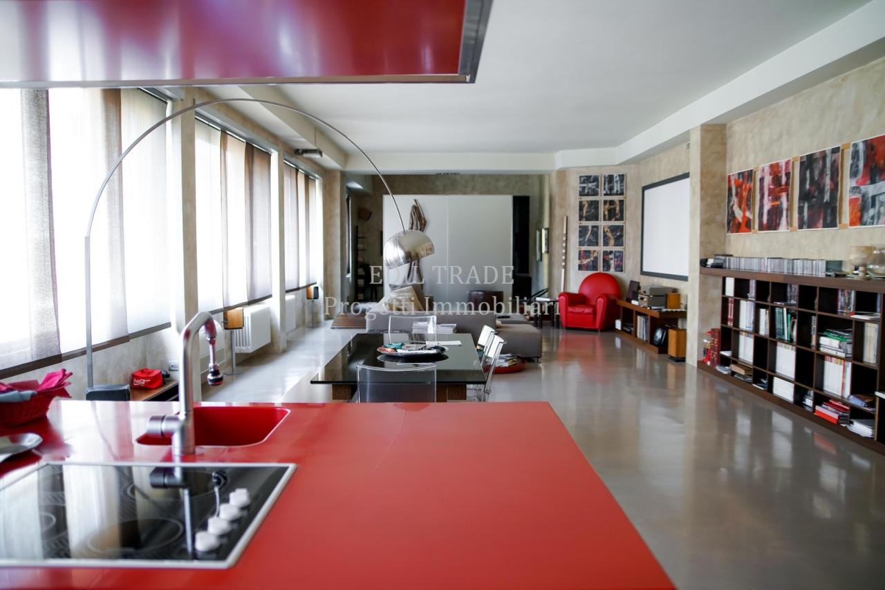 Loft / Openspace Milano Vendita € 495.000 145 mq doppi servizi ...