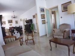 Appartamento in Affitto a Livorno, 850€, 135 m², arredato