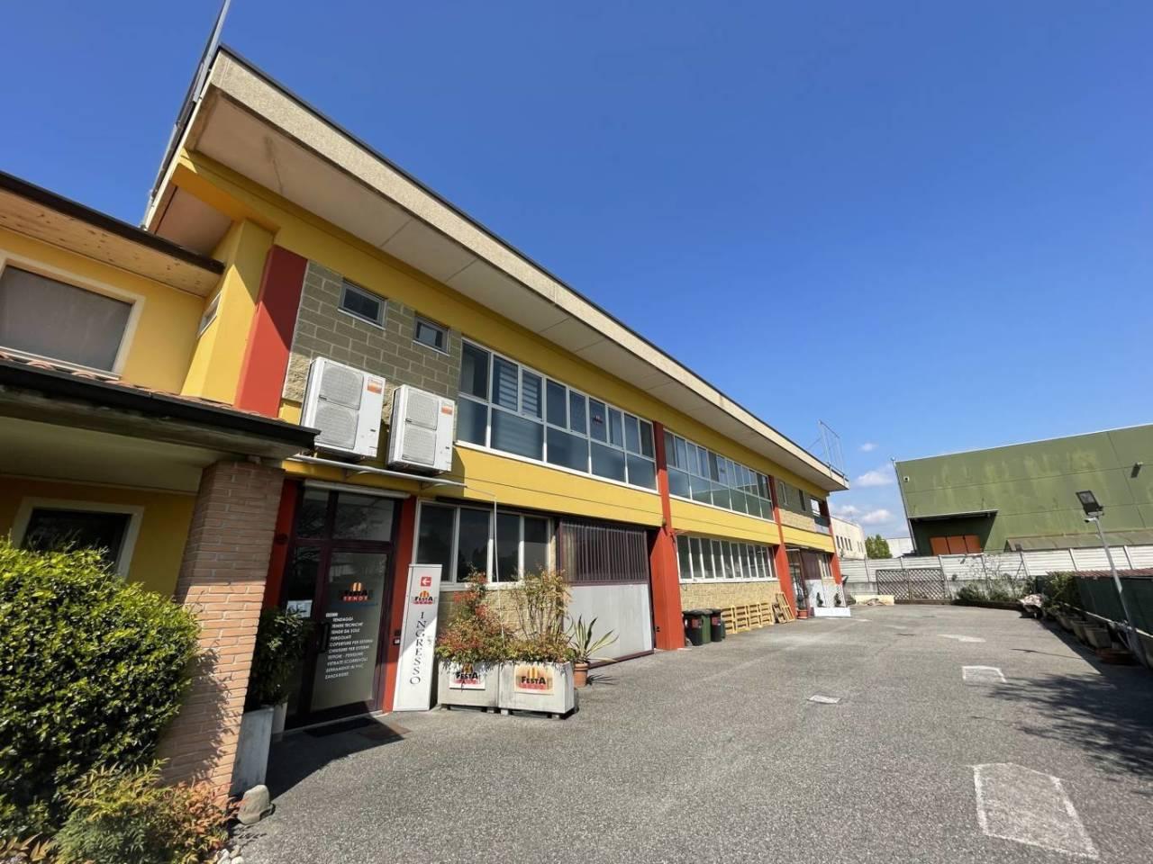 Capannone in vendita a Chiari, 9999 locali, prezzo € 600.000 | CambioCasa.it