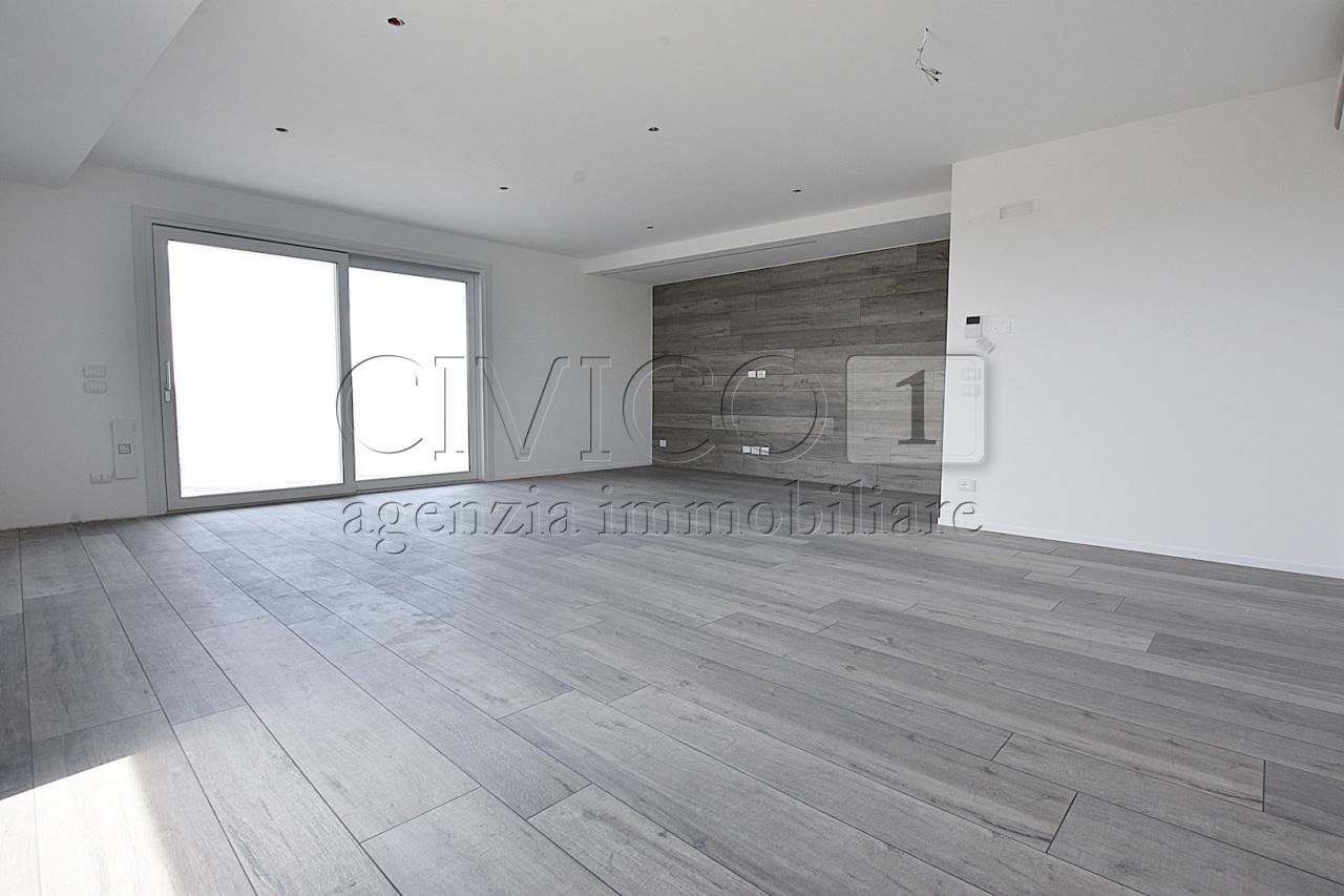 Appartamento - Tricamere+terrazzo living a Rubano