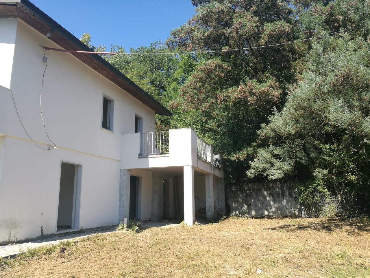 Villa singola in vendita, rif. 2689