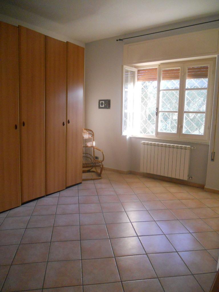 Casa semindipendente in vendita, rif. 2400