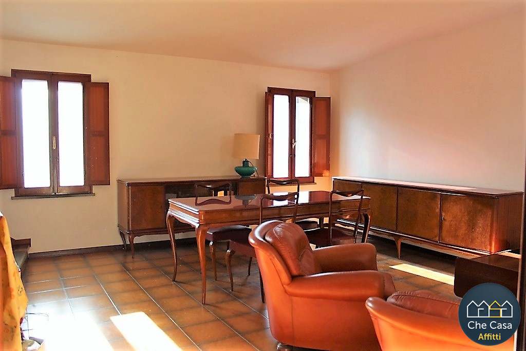 Bilocale in buone condizioni arredato in affitto Rif. 9863559