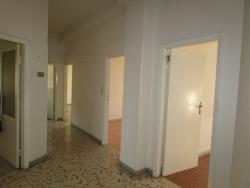 Appartamento in Vendita a Ascoli Piceno, zona piazza immacolata, 120'000€, 133 m²