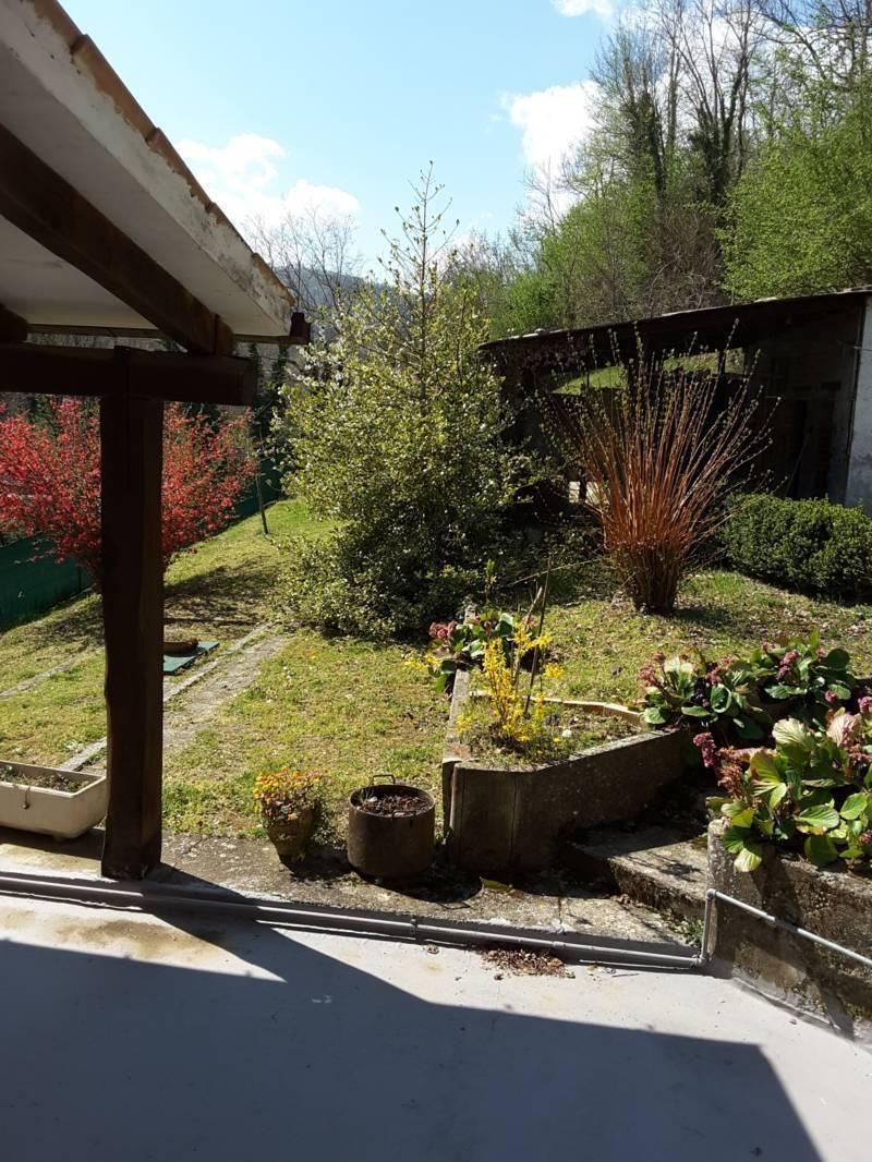 Casa Indipendente in discrete condizioni in vendita Rif. 10165128