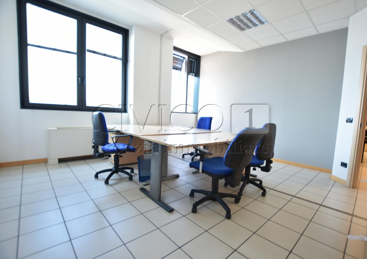 Ufficio / Studio in vendita a Limena, 3 locali, prezzo € 79.000 | CambioCasa.it