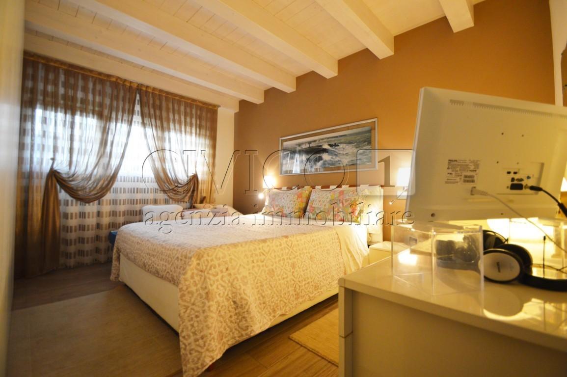 Villa in vendita a Noventa Vicentina, 6 locali, prezzo € 245.000 | CambioCasa.it