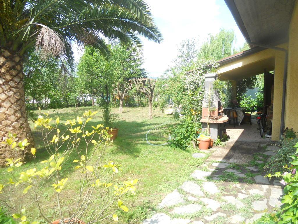 Casa semindipendente in vendita, rif. 2207