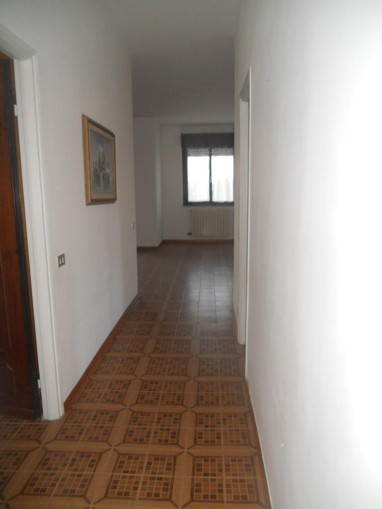 Appartamento in vendita, rif. 2007