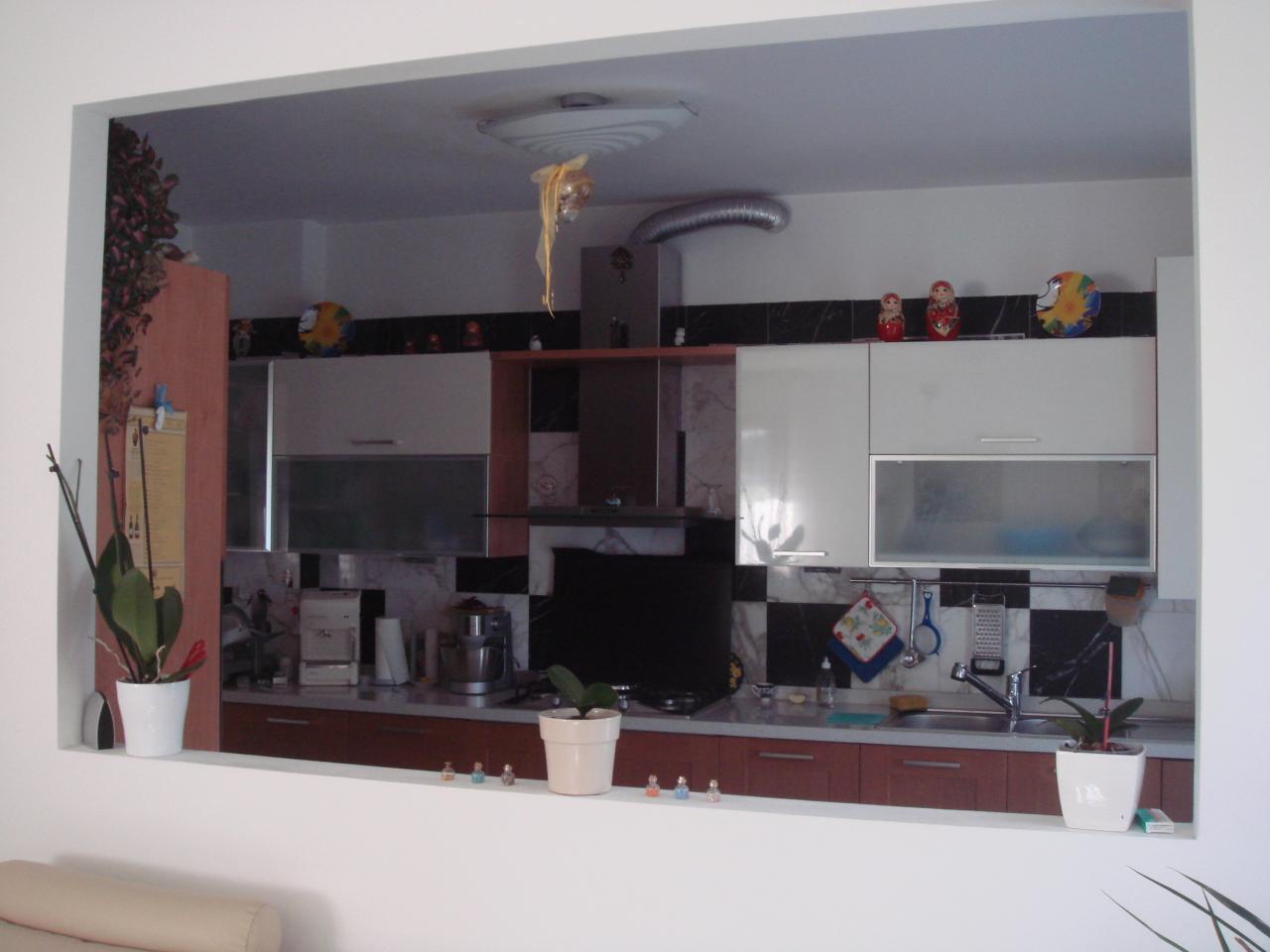 Casa semindipendente in vendita, rif. 2140