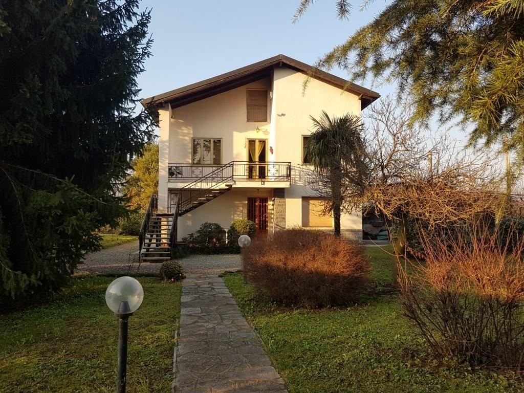 Villa in buone condizioni in vendita Rif. 11702582