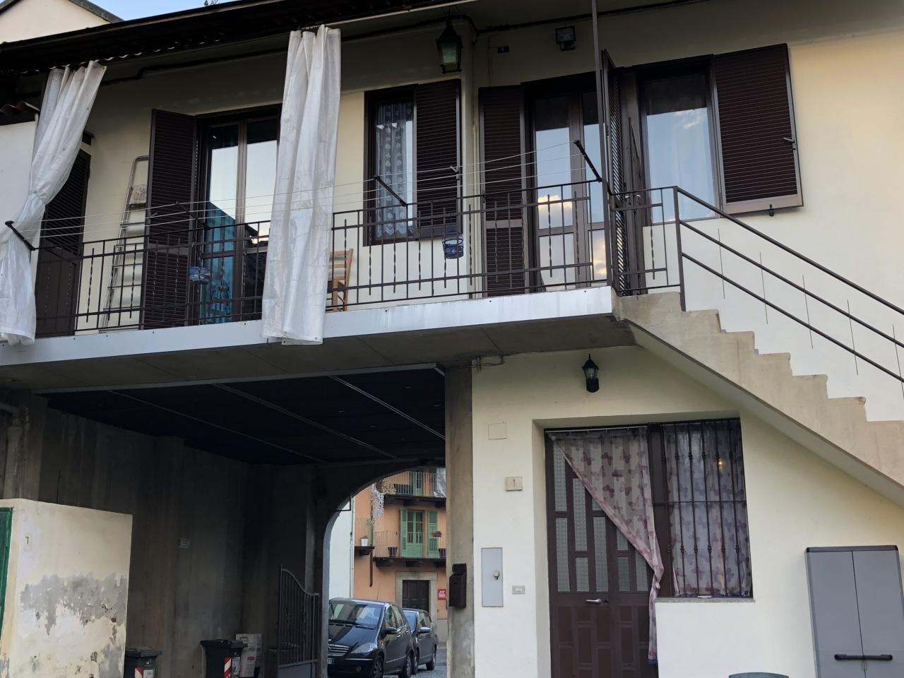 Porzione di casa in buone condizioni in vendita Rif. 9534386
