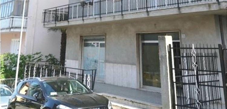 Locale commerciale - 2 Vetrine a Cerboni, San Benedetto del Tronto