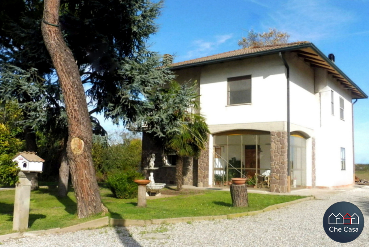Casa Indipendente in discrete condizioni in vendita Rif. 8518383