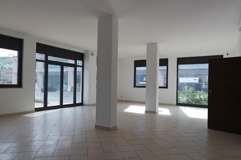 Locale commerciale - Oltre 3 vetrine a Colonnella Rif. 4144945