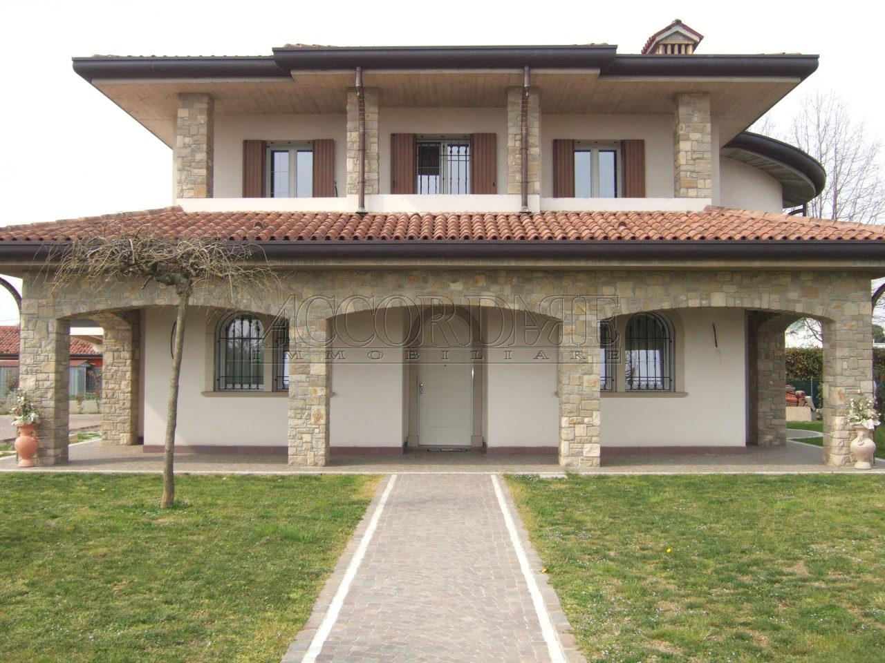 Villa in vendita Rif. 9950403