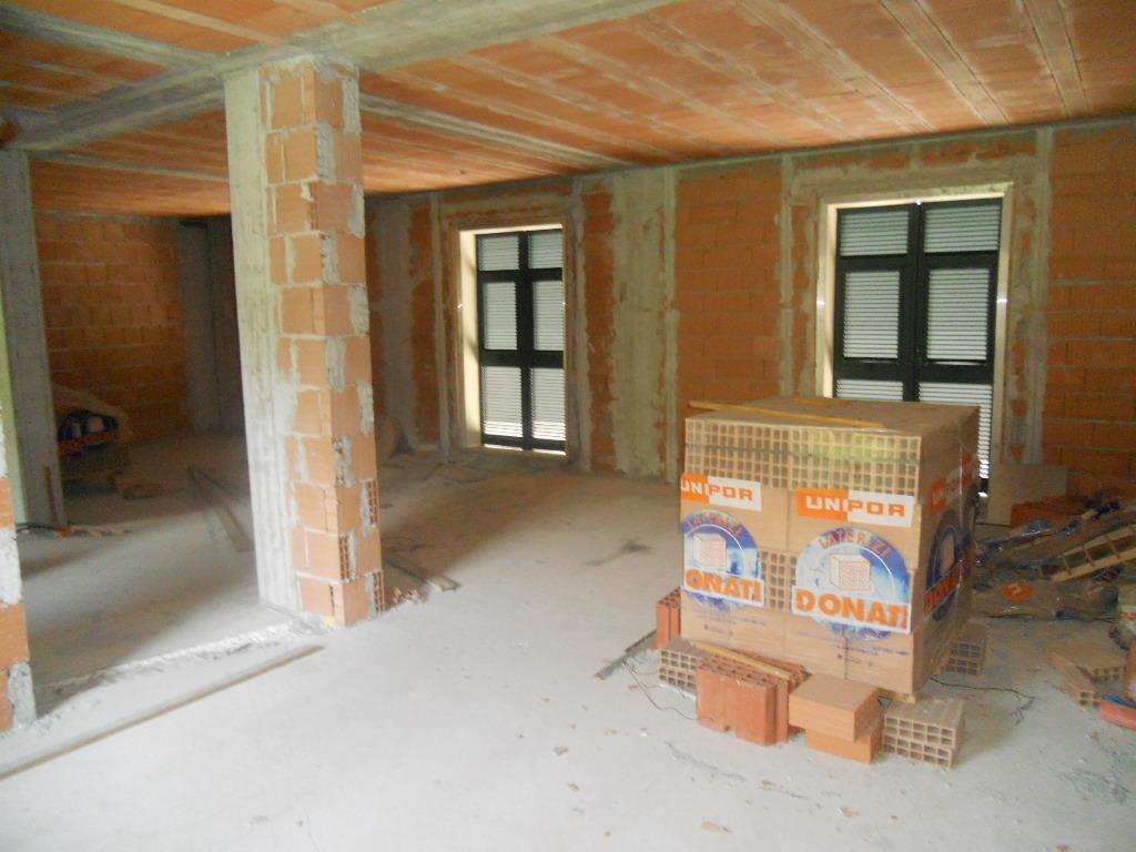 Casa semindipendente in vendita, rif. 2204