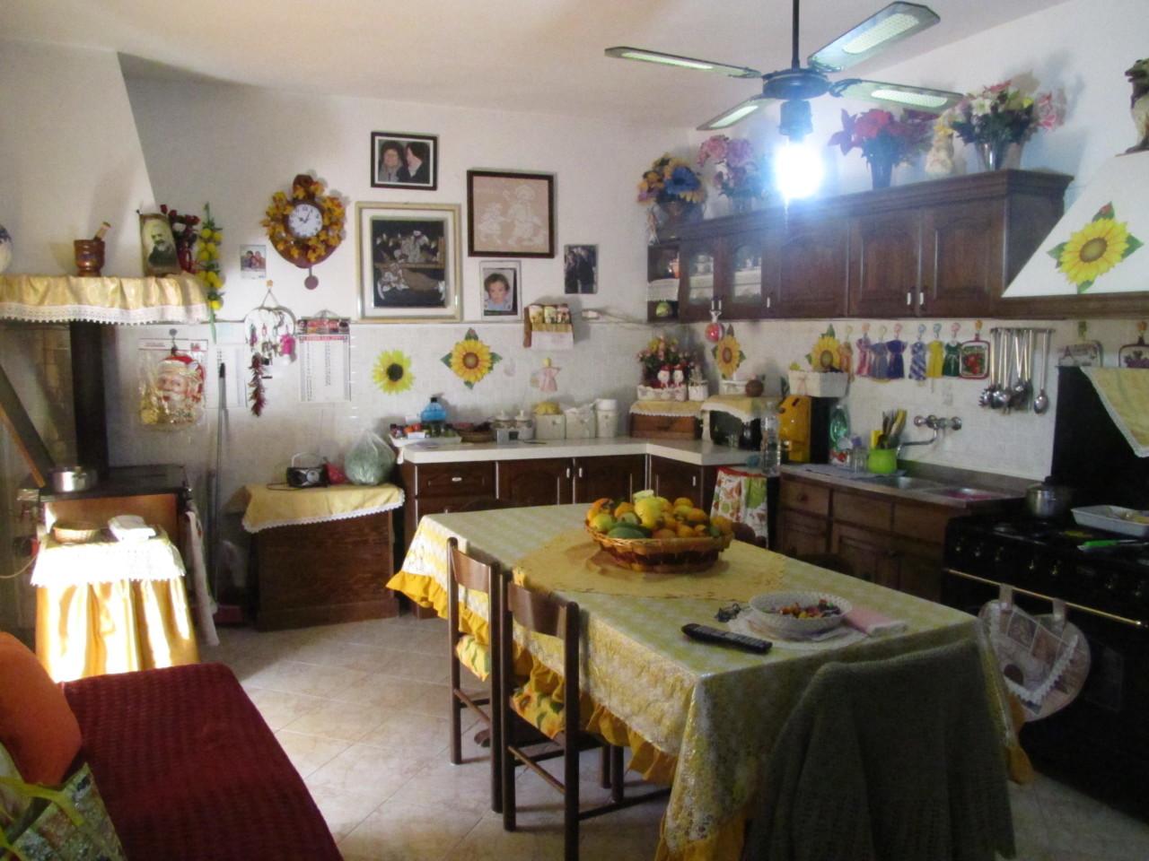 Villa in buone condizioni in vendita Rif. 10238170