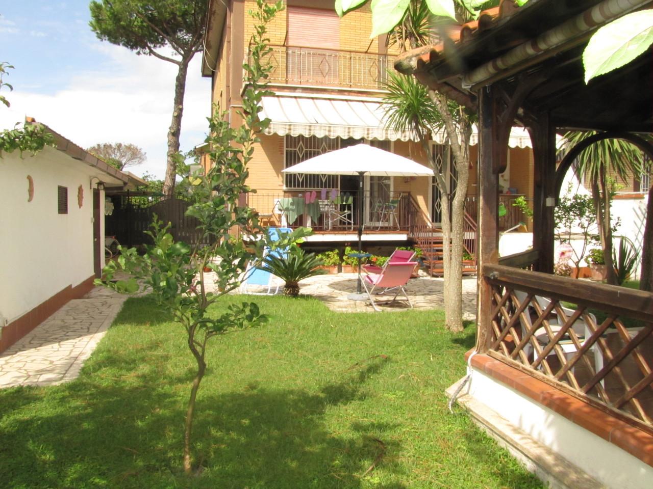 Appartamento in buone condizioni in vendita Rif. 5492047