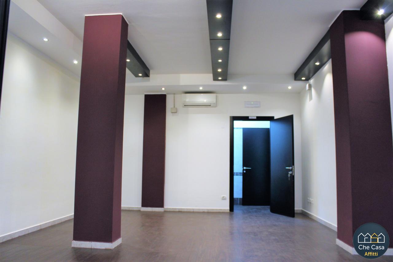 Locale commerciale - 1 Vetrina a Centrale, Cesena Rif. 8743700