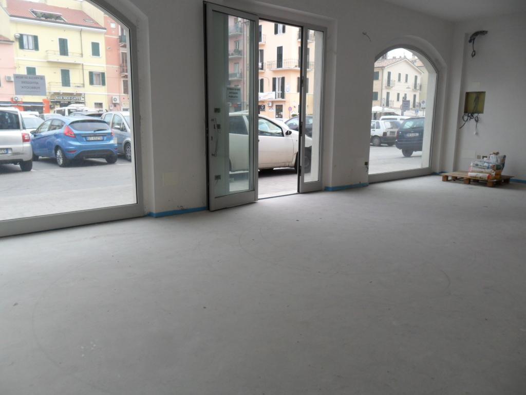 Locale commerciale - Oltre 3 vetrine a San Benedetto del Tronto