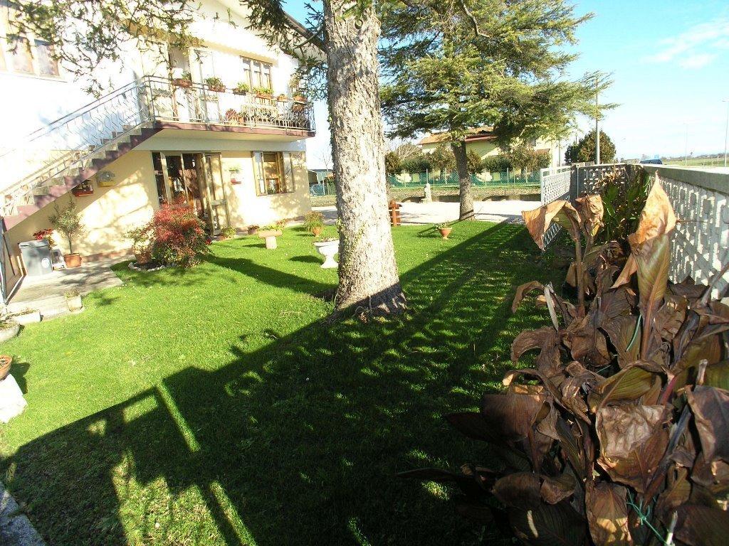 Appartamento in vendita a Latisana, 4 locali, prezzo € 120.000 | CambioCasa.it