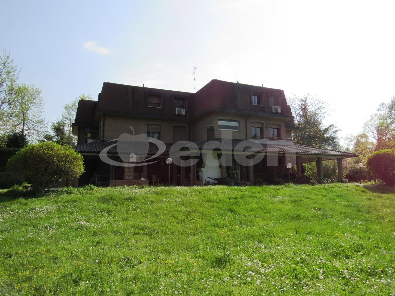 Appartamento in buone condizioni in vendita Rif. 6785743