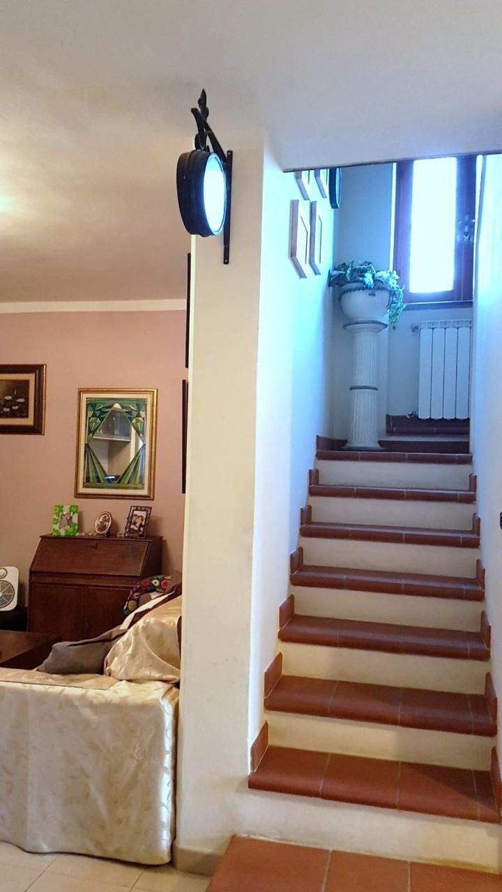 Casa semindipendente in vendita, rif. 2816