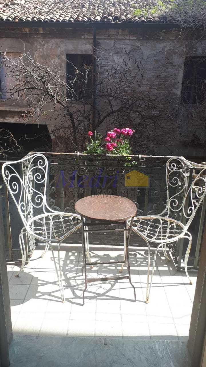 Appartamento in ottime condizioni arredato in affitto Rif. 10477343