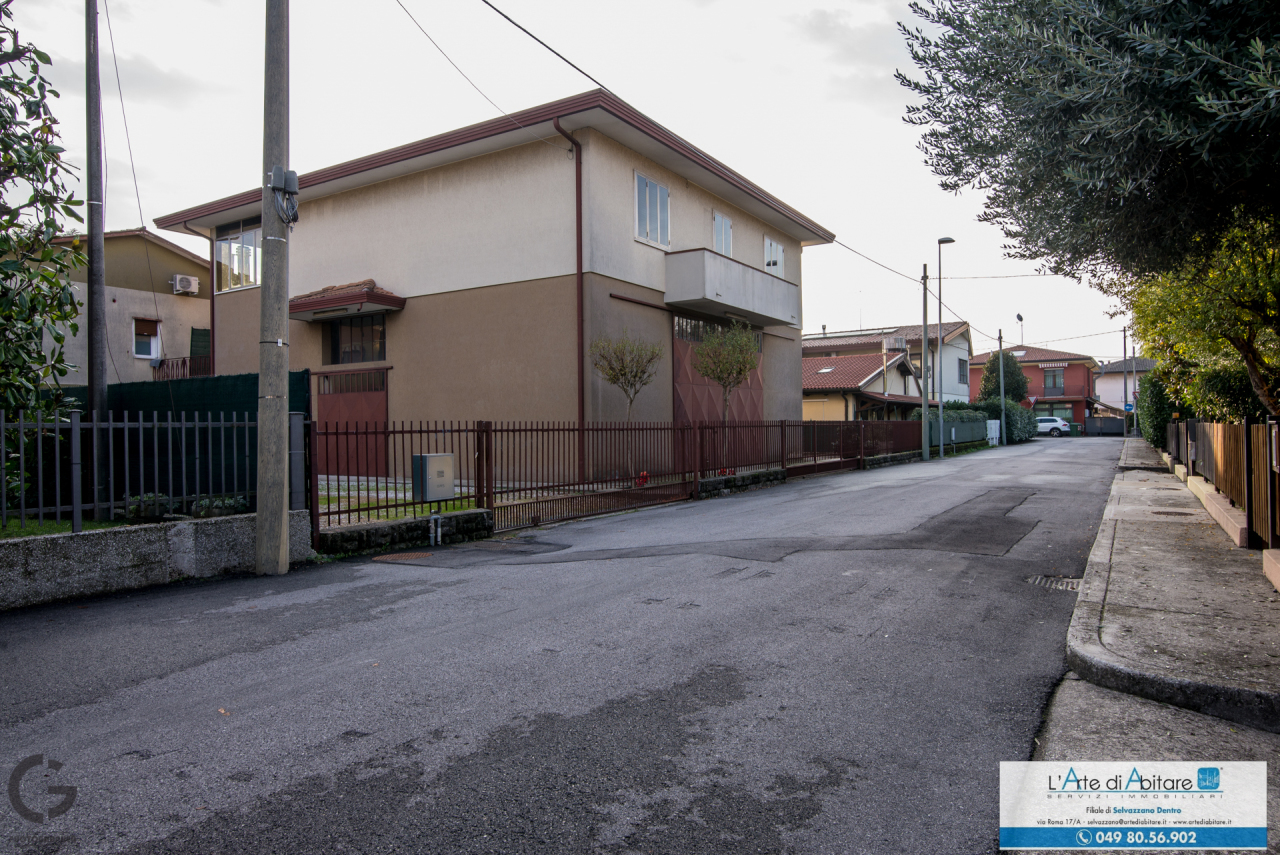 Casa Indipendente da ristrutturare in vendita Rif. 11455046