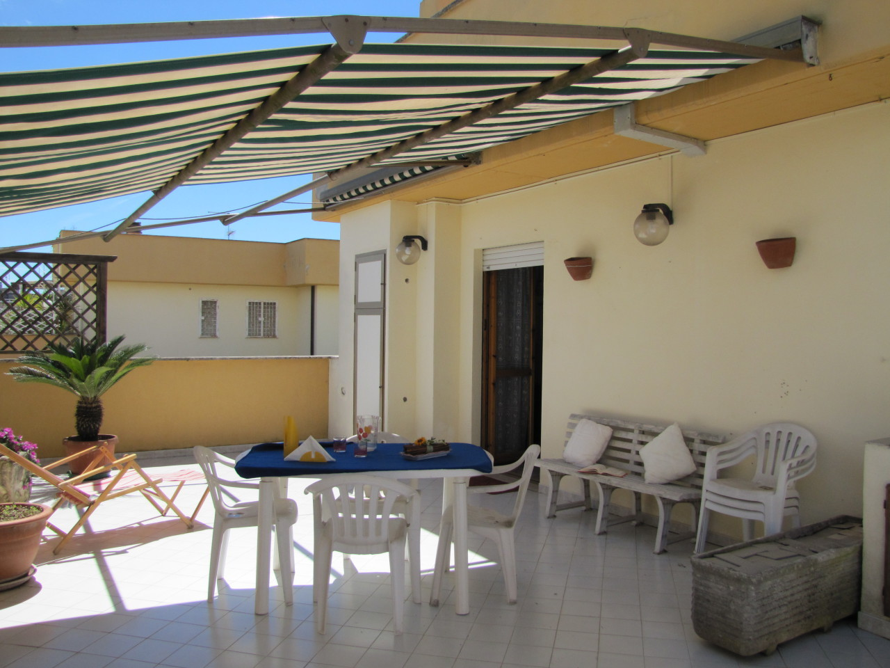 Appartamento in buone condizioni in vendita Rif. 4162523